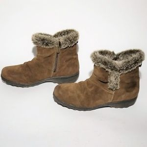 CLEARANCE! Khombu Suede Winter Boots Size 11